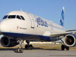 JetBlue Airbus A320 on ground blue-sapphire
