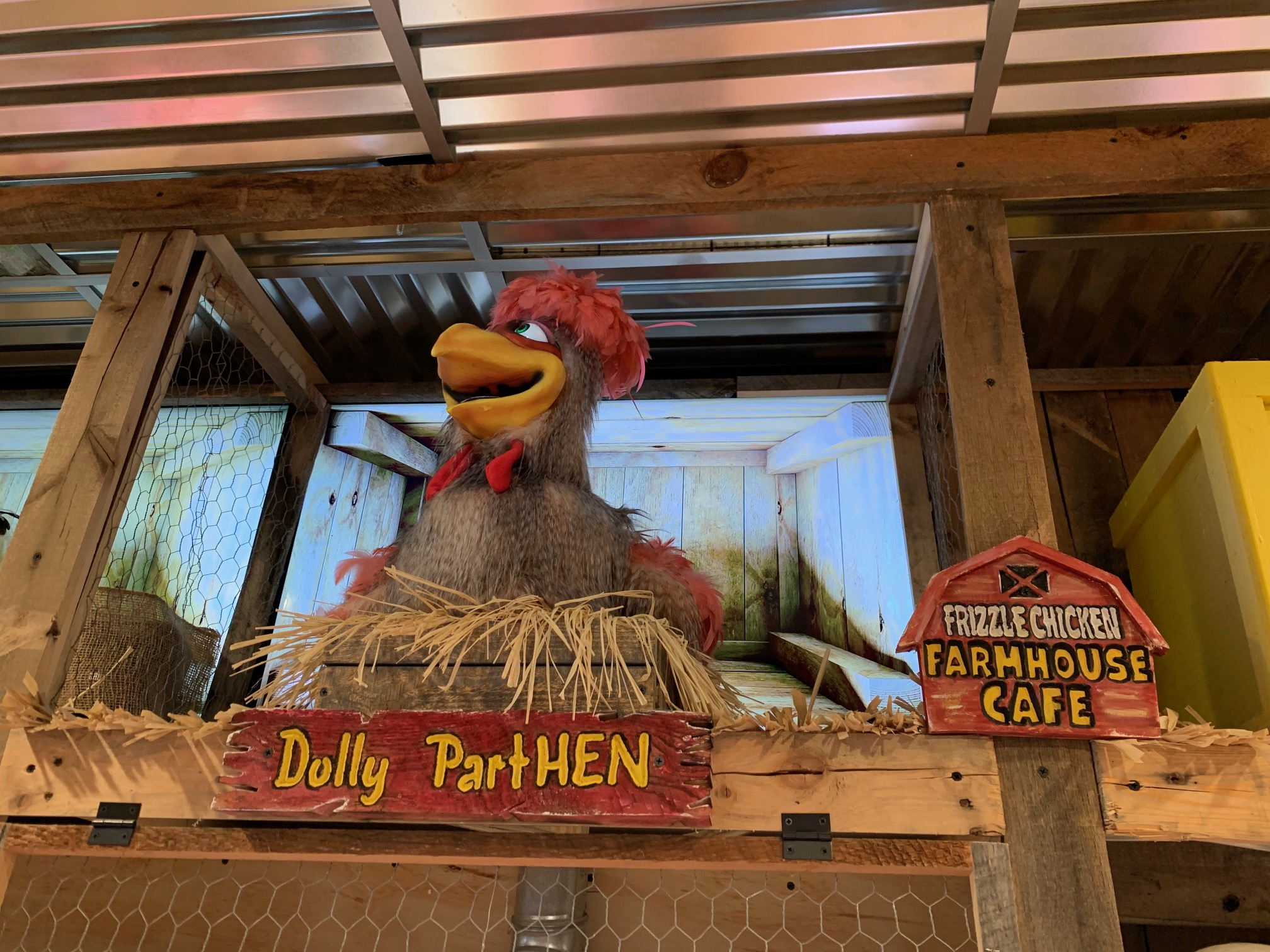 Foodie Tour of Pigeon Forge. Frizzle Chicken Farmhouse Cafe Pigeon Forge animatronic chicken Dolly PartHEN